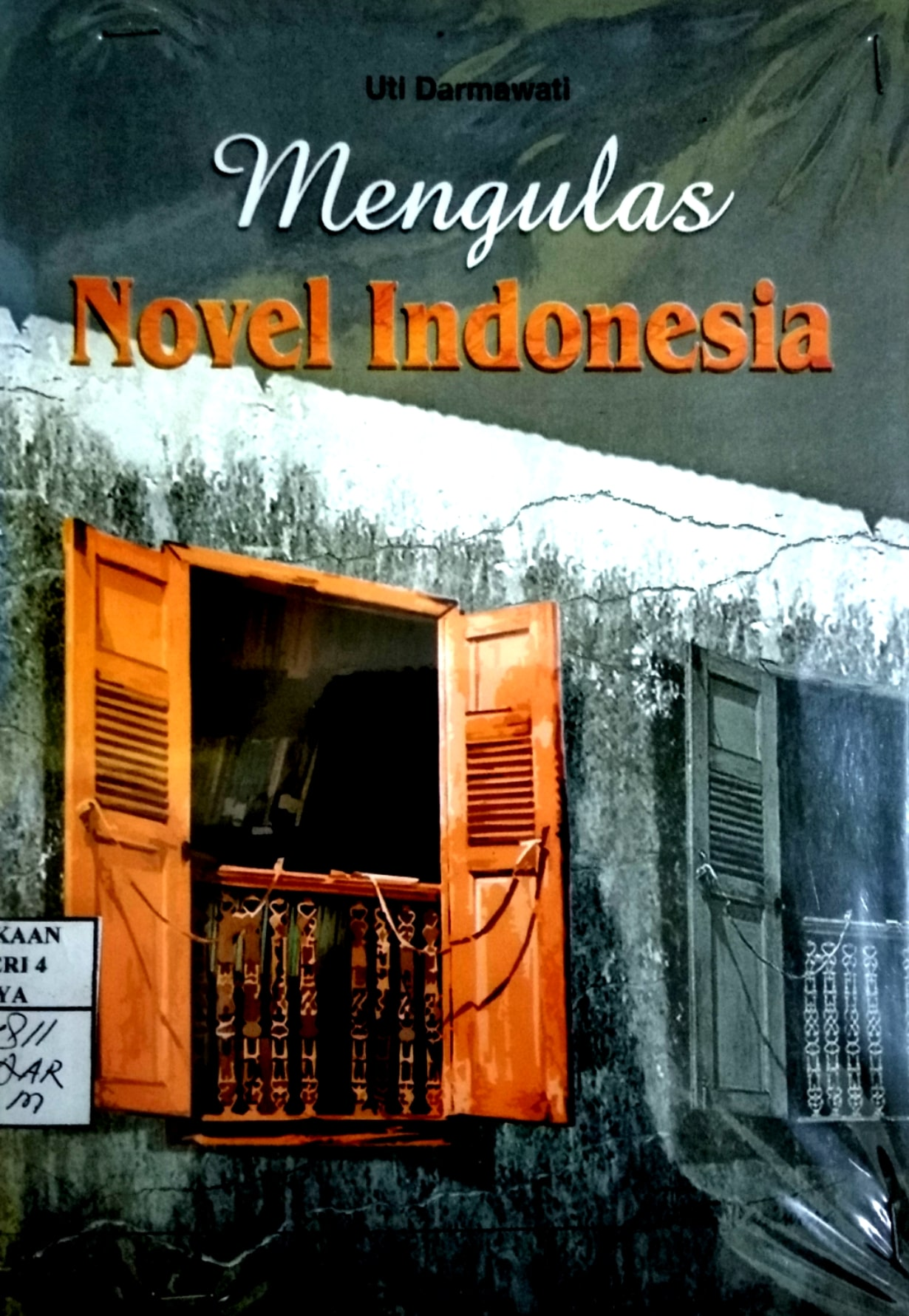 mengulas novel indonesia